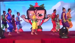 年会搞笑反串表演 葫芦娃搞笑年会节目舞蹈